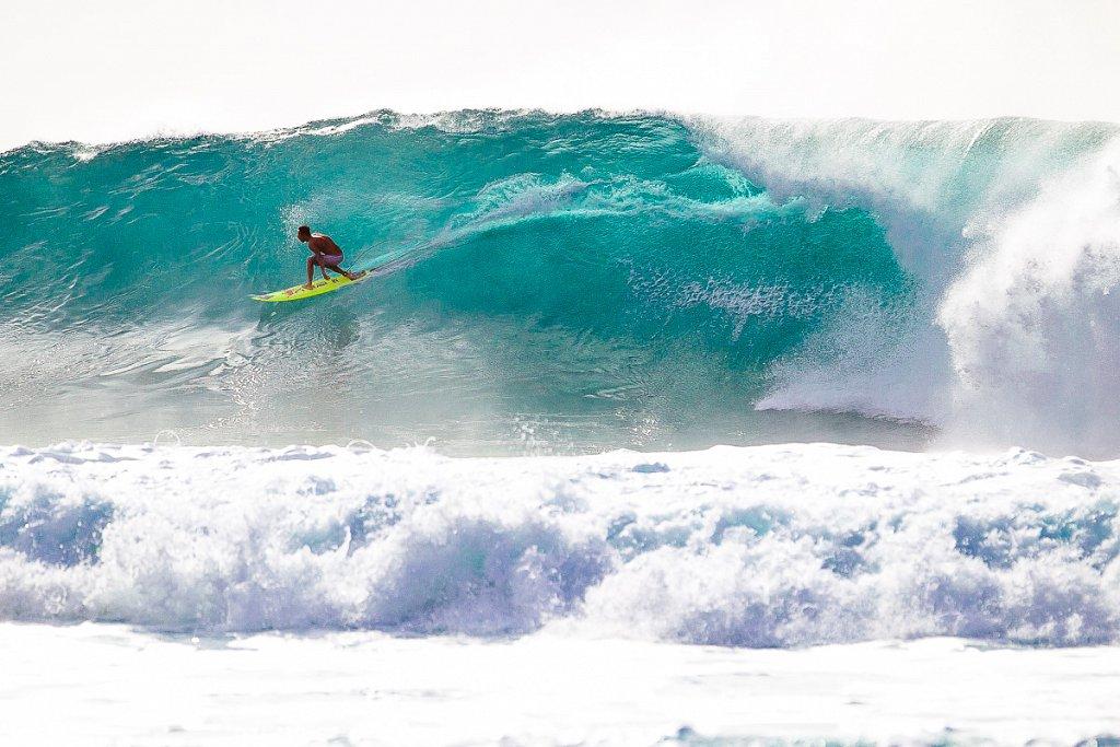 Hawaii-Pipeline-0601.jpg